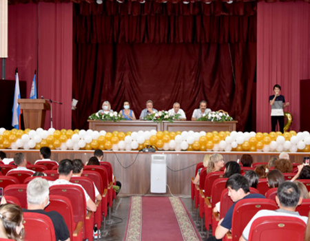 Astrakhan State Medical University congratulated the Graduate students of the faculty vocational.